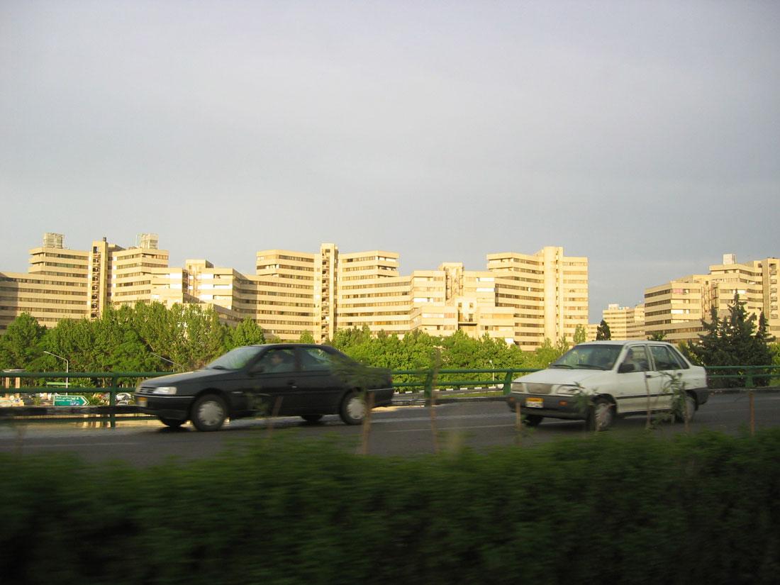 Tahran'da yeni tip yapılaşma