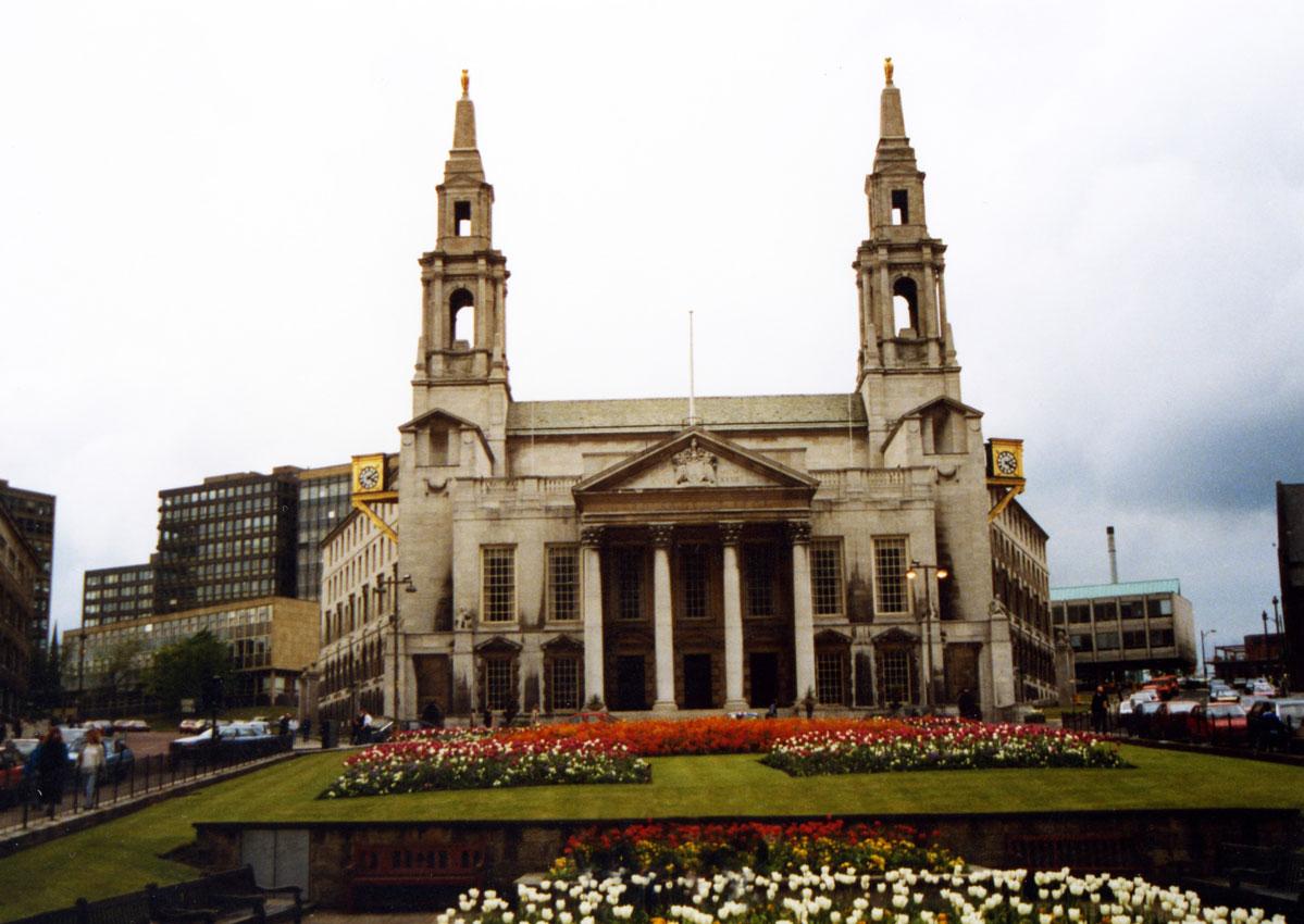 Kuzey İngiltere'deki Leeds şehrinin belediye binası