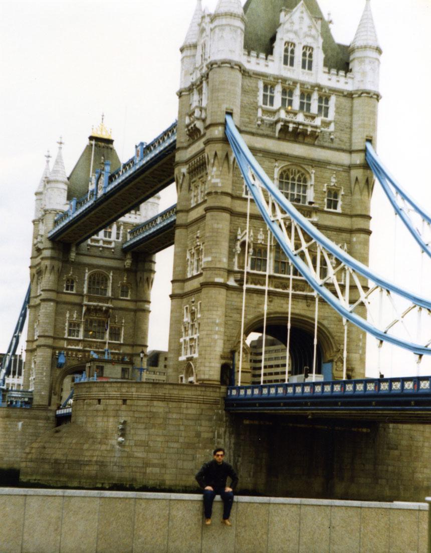 Thames Nehri üzerindeki en gösterişli köprü: Tower Bridge