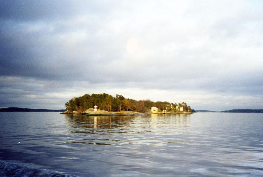 Ülke küçüklü büyüklü çok sayıda adaya sahip