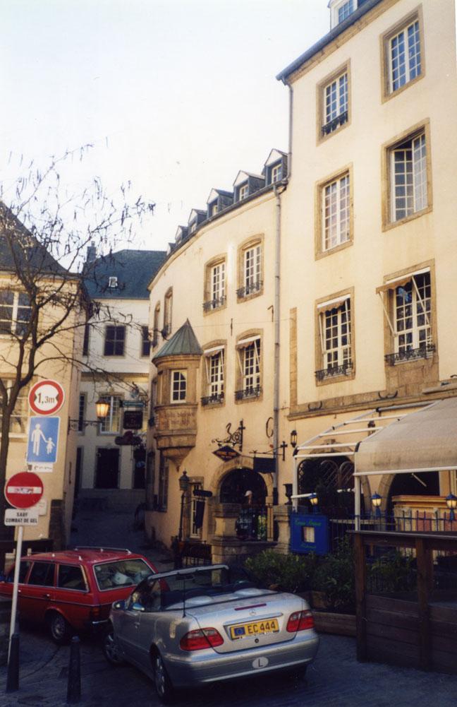 Lüksemburg'un tarihi bölgesinden bir görüntü