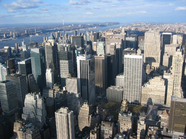 Manhattan'ın gökdelen ormanı. Fotoğrafı çektiğim yer ise bir zamanlar dünyanın en yüksek binası olan Empire State Binası'nın tepesi...