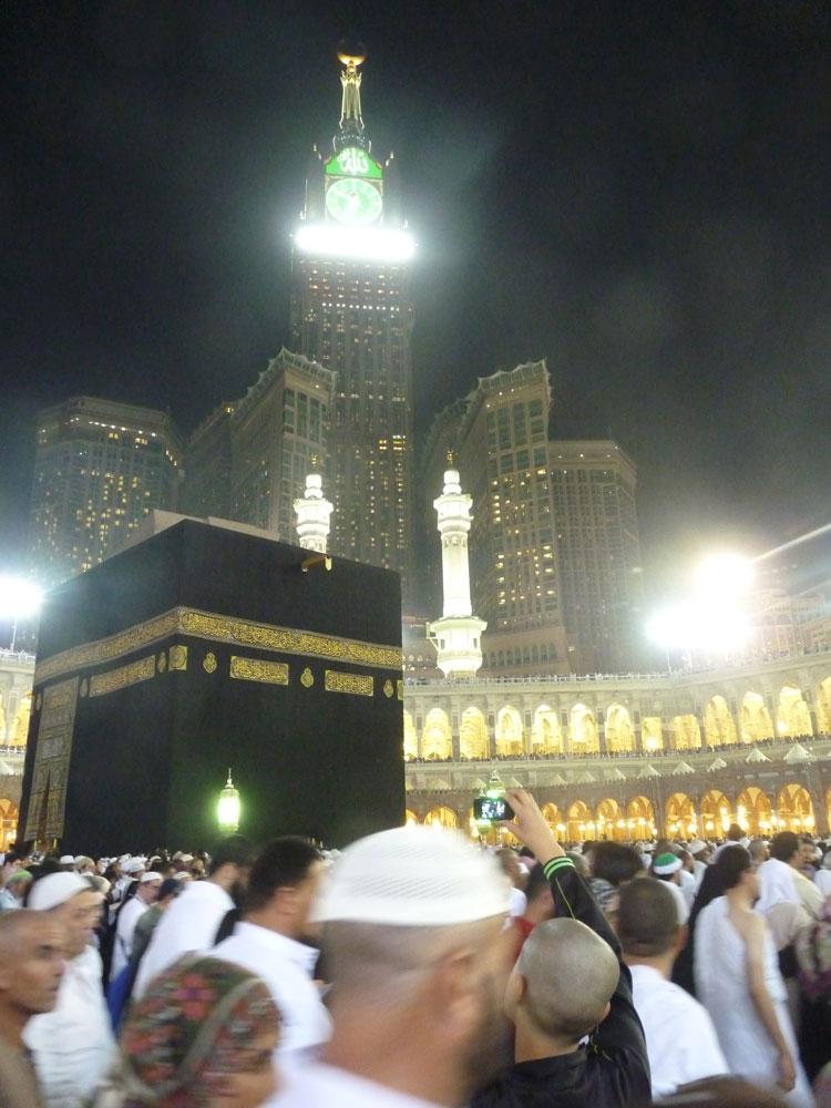 Allah'ın Evi'nin tepesindeki heyula: Zemzem Kuleleri