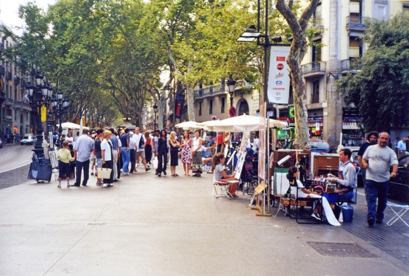 La Rambla Caddesi'nden bir görünüm