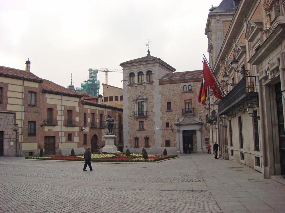Madrid'deki Şehir Meydanı (Plaza de la Villa)