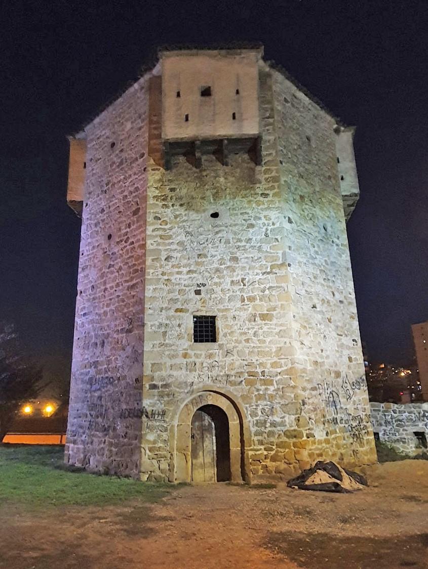 Türk Hisarı olarak da anılan İsa Bey Kulesi