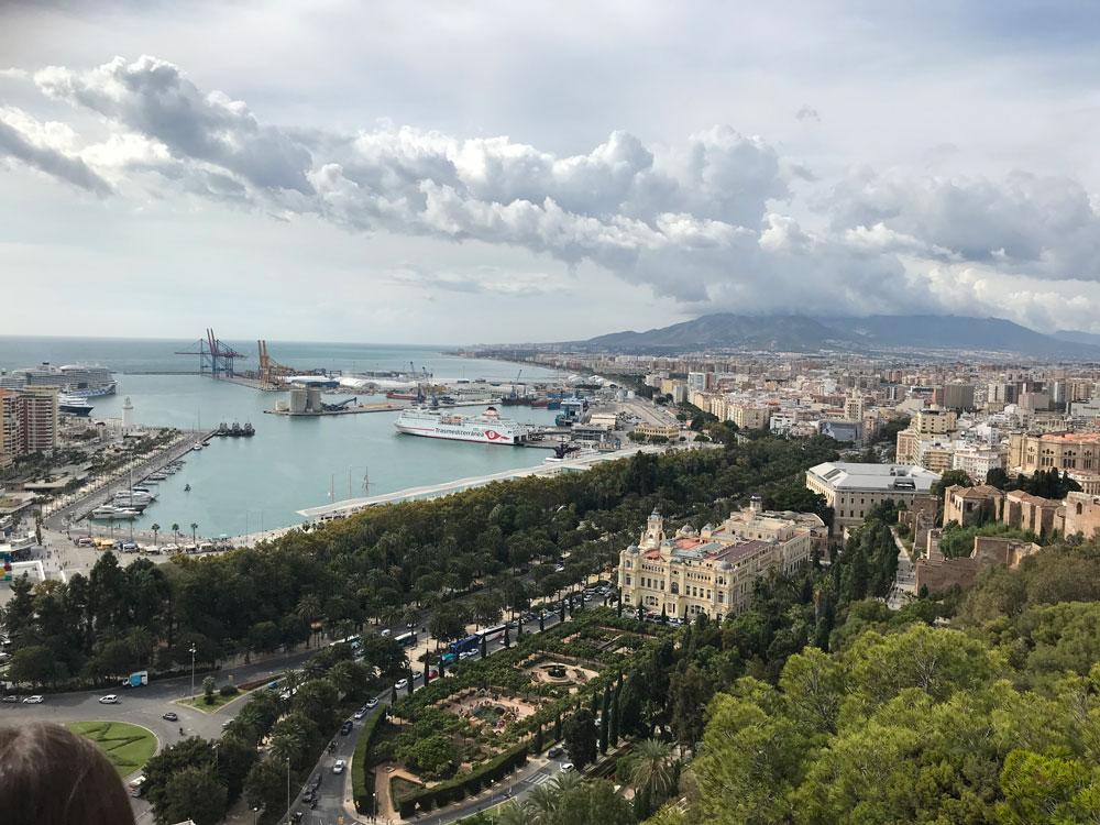 Gibralfaro Tepesi'nden Malaga Limanı